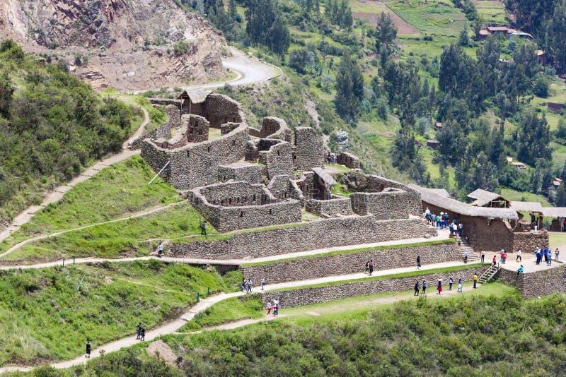 Ruines de Pisac en vallée d'Urubamba près de Cusco, Pérou photo stock