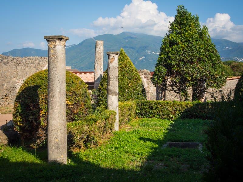 Ruines de Pompéi sans touristes images libres de droits