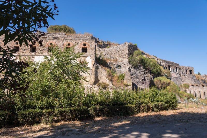 Ruines de Pompeii, la ville romaine antique image stock