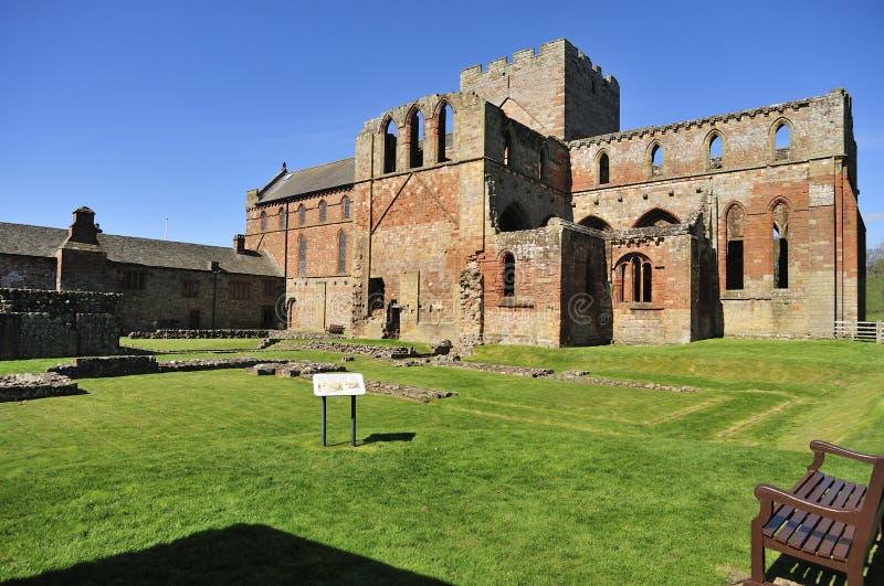 Ruines de priory de Lanercost, Cumbria (vue occidentale) images libres de droits