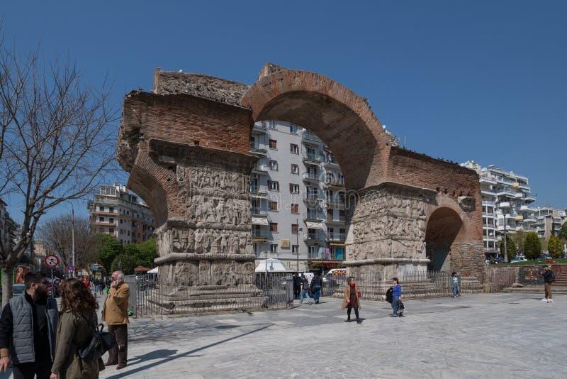 Ruines de Roman Arch de Galerius au centre de la ville de Salonique, Grèce photo libre de droits
