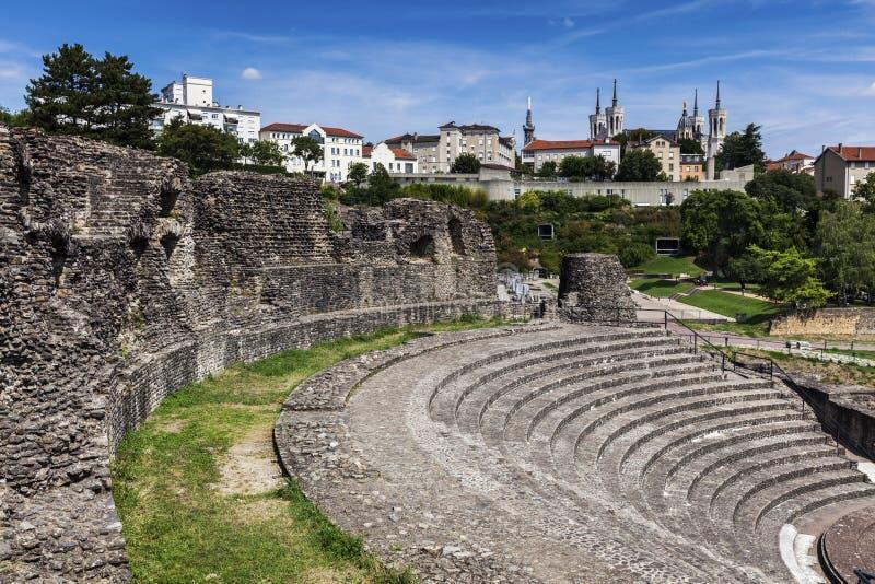 Ruines de Roman Theatre à Lyon images stock