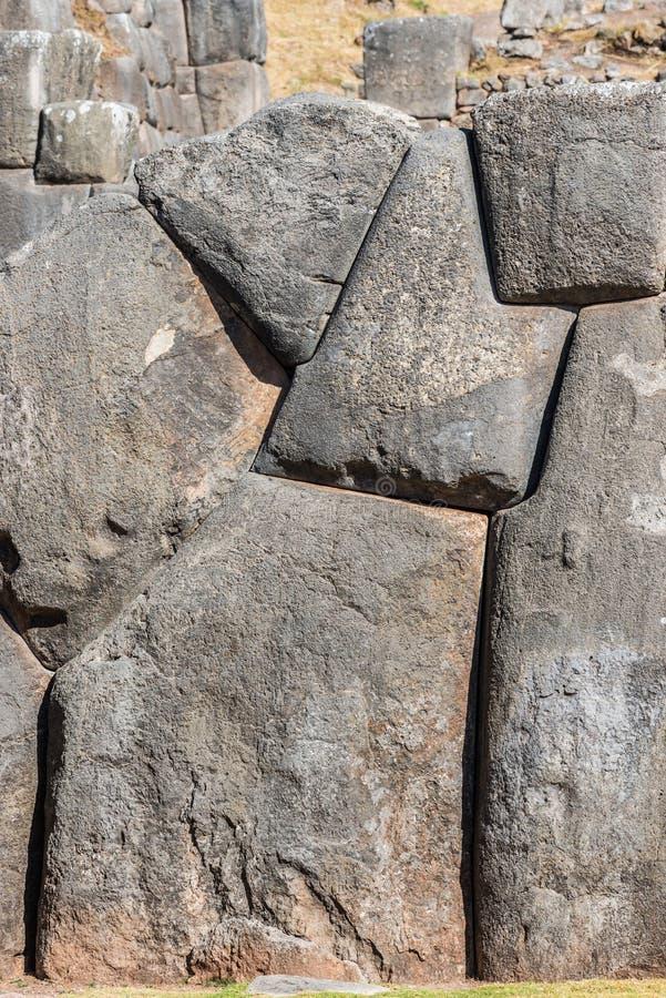 Ruines de Sacsayhuaman dans les Andes péruviens chez Cuzco Pérou photographie stock libre de droits