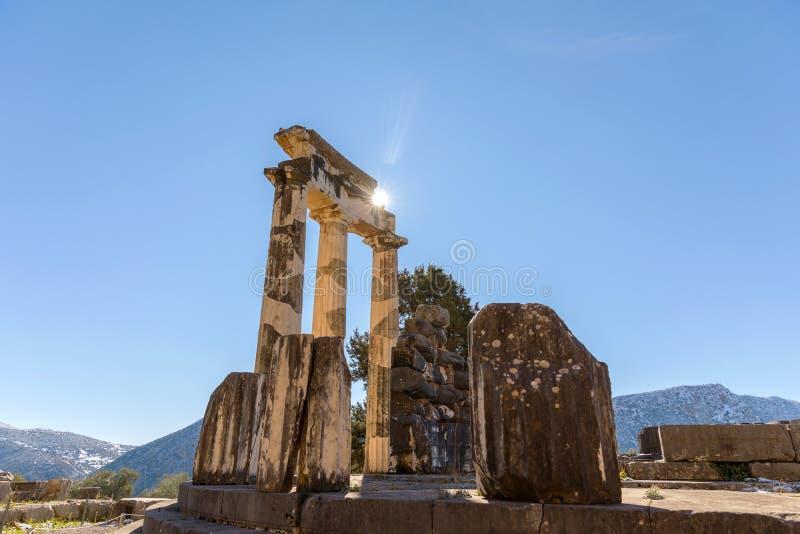 Ruines de temple de pronaia d'Ath?na ? Delphes, Gr?ce photographie stock libre de droits
