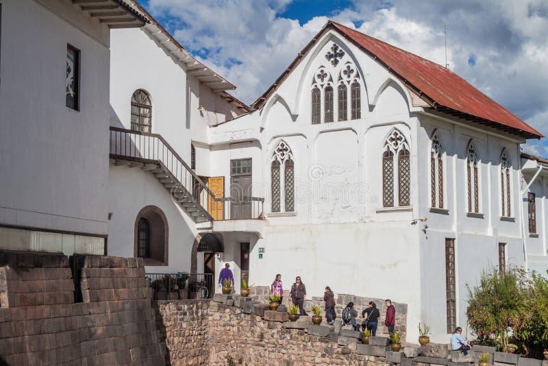 Ruines de temple de Qorikancha de l'Inca et couvent Santo Domingo dans Cuzco images stock