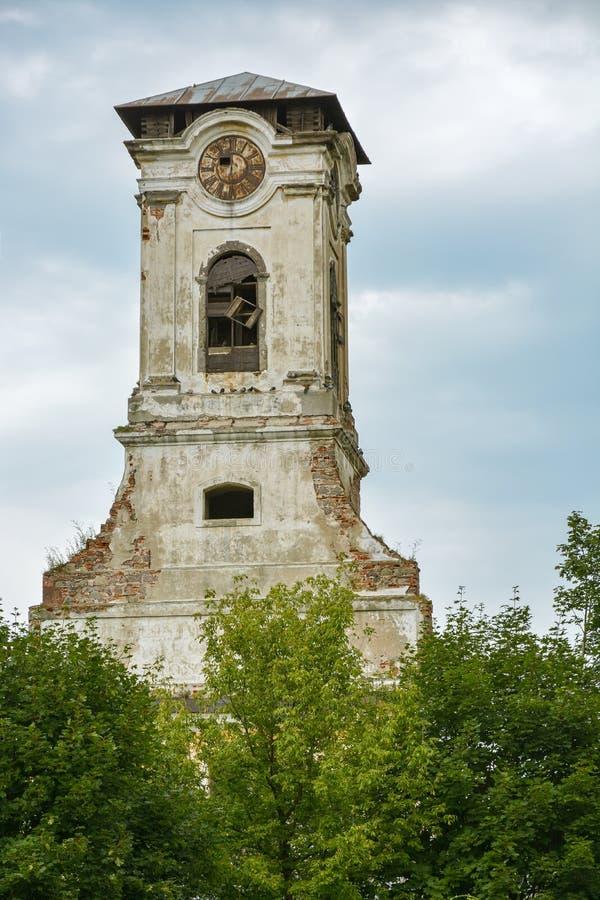Ruines de vieille tour avec l'horloge dans Preso photo stock