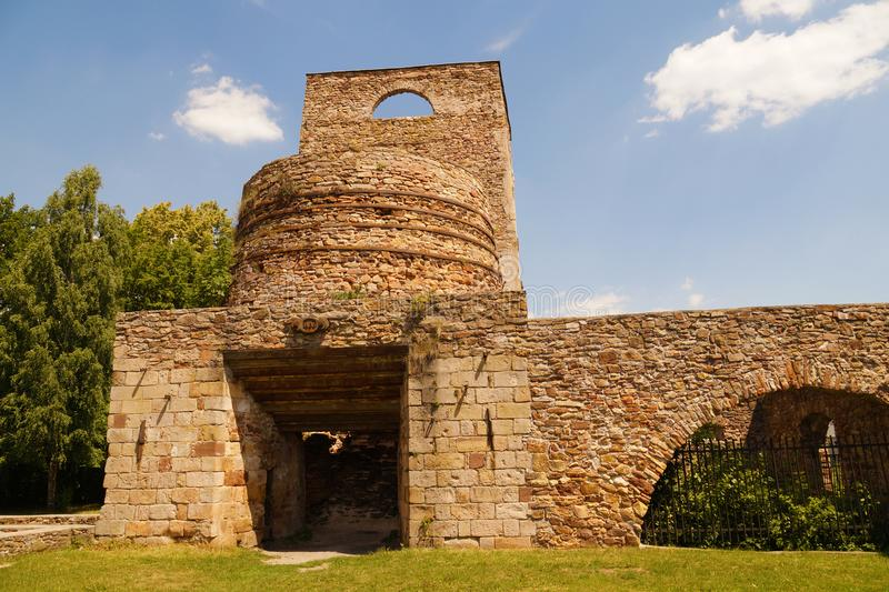 Ruines de vieilles ferronneries, Samsonow, Pologne photo stock