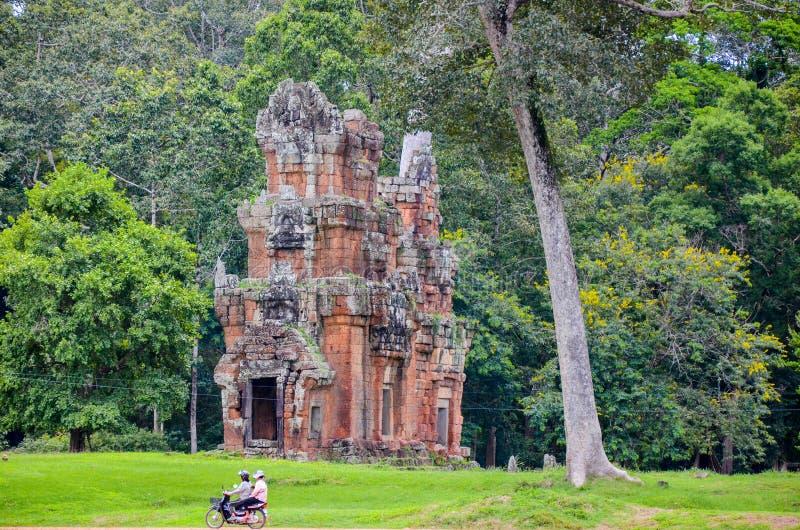 Ruines del tempio antico dentro il Angkor Wat Complex, Siem Reap, Cambogia 1° settembre 2015 fotografia stock