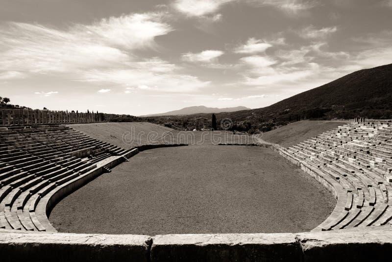 Ruines dello stadio nella città di Messina antica, Peloponnesus, Grecia immagine stock