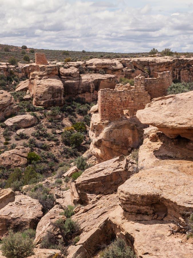 Ruines des pueblos antiques en canyon de désert image libre de droits