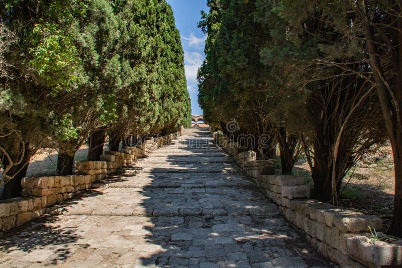 Ruines des temples antiques sur la colline de Filerimos photographie stock libre de droits
