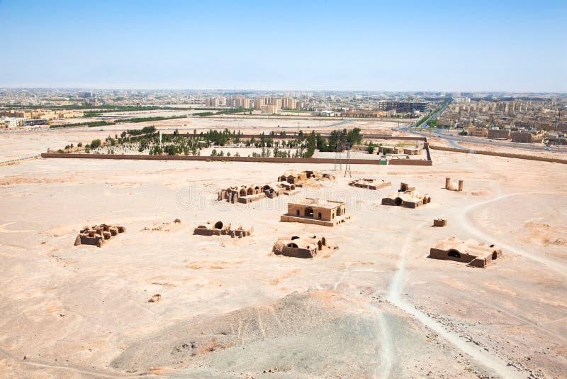 Ruines des tours de Zoroastrian de silence Yazd. l'Iran. images libres de droits