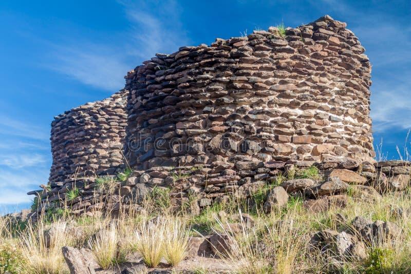 Ruines des tours funéraires Sillustani photo stock