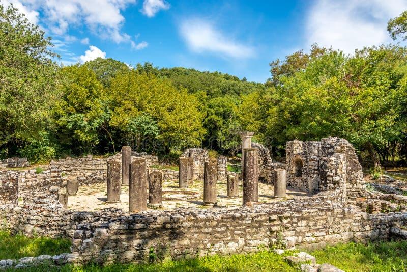 Ruines du baptistère image stock
