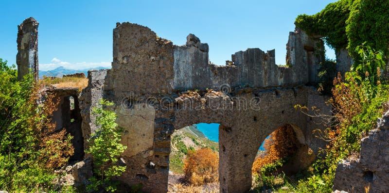 Ruines du règlement original de Maratea, Italie image libre de droits