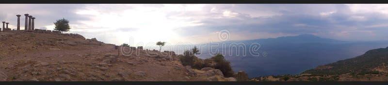 Ruines du temple d'Athéna dans Assos, vue de panorama photos stock