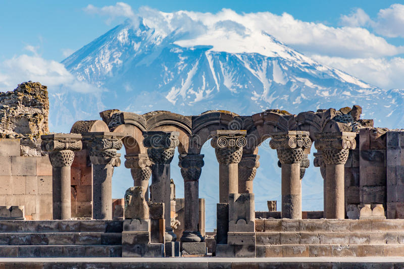 Ruines du temple de Zvartnos à Erevan, Arménie photo stock