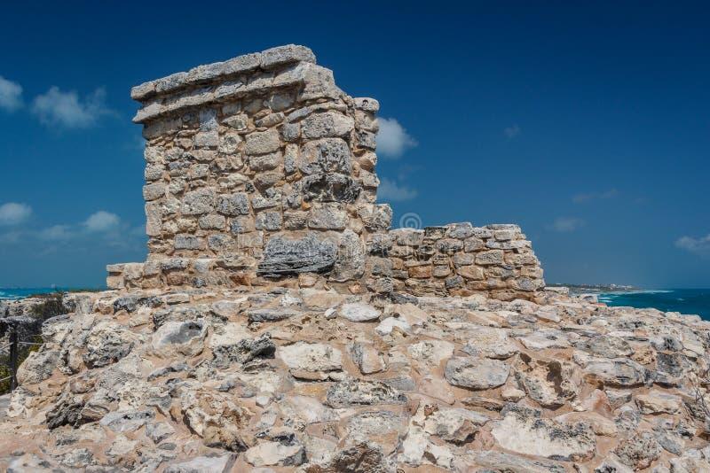 Ruines du temple maya sur l'île d'Isla Mujeres près de Cancun photographie stock libre de droits