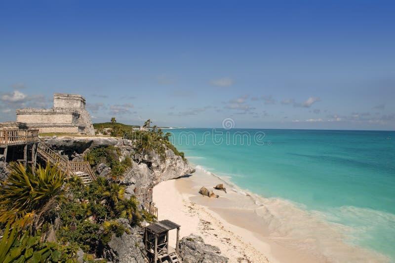 Ruines maya des Caraïbes Tulum de turquoise bleue image stock