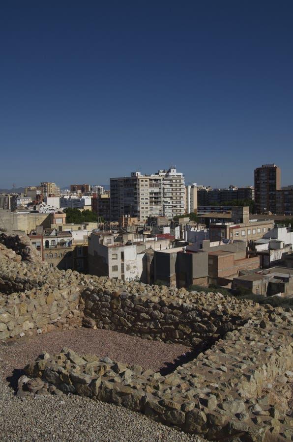 Ruines romaines et ville Carthagène, Espagne image stock
