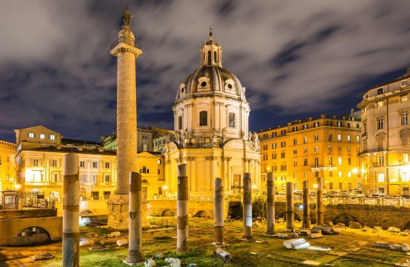 Ruines romanos durante la igualación de horas fotografía de archivo libre de regalías