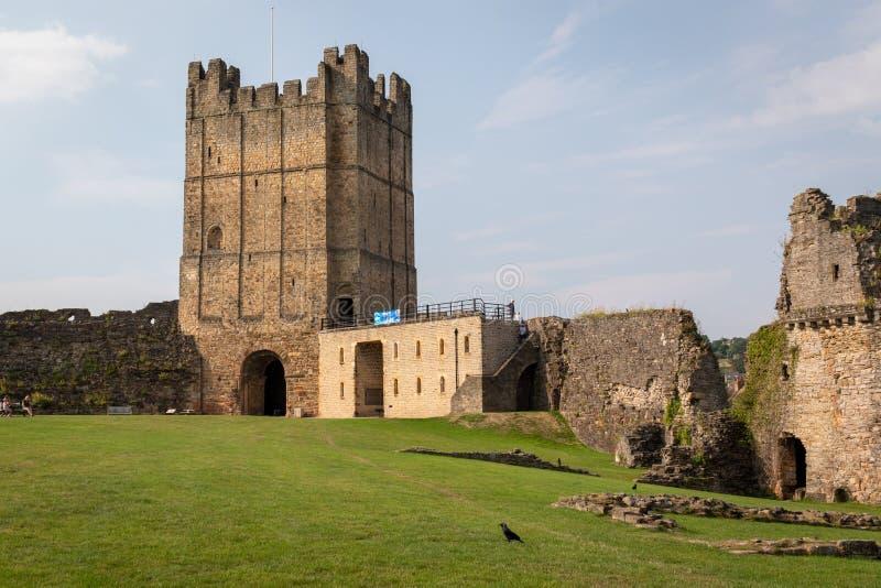 Ruines scéniques de Richmond Castle historique - fondé dans le 11ème photographie stock libre de droits