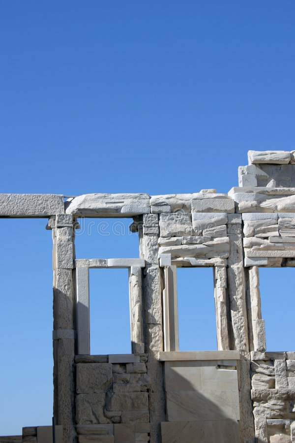 Ruines sur le bleu photos stock