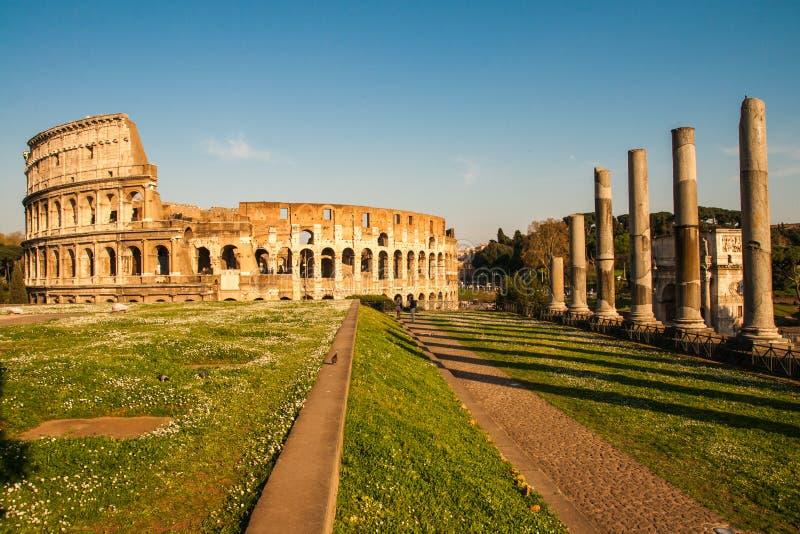Ruines van Colloseum stock afbeelding