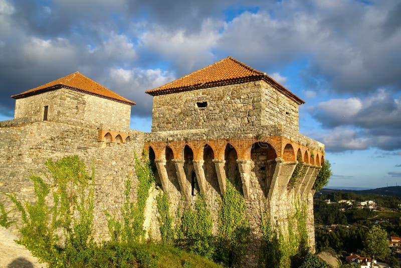 Ruines van een oud kasteel in Ourem, Portugal stock afbeeldingen