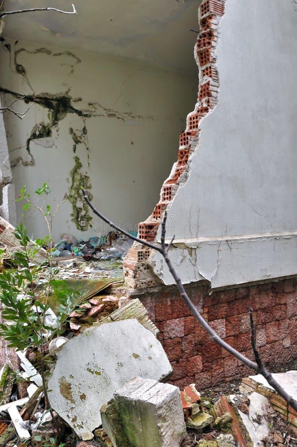 Ruinierte Haus gebrochene Wand lizenzfreies stockfoto