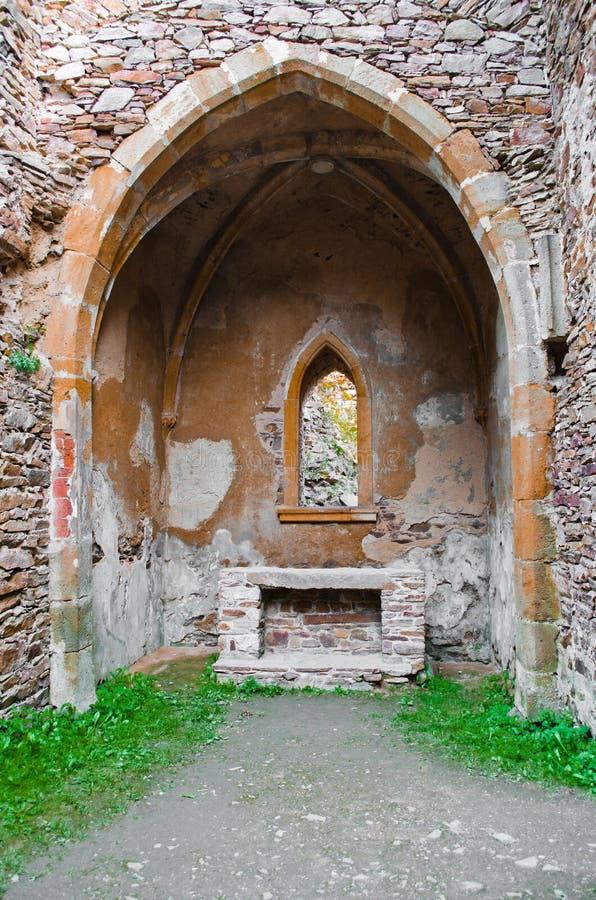 Ruinierte Kapelle lizenzfreie stockbilder