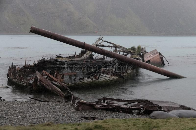 Ruiniertes Boot in Grytvyken lizenzfreie stockfotografie