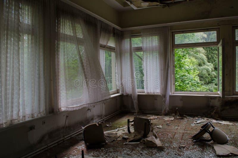 Ruiniertes Hotel in Deutschland lizenzfreie stockfotografie