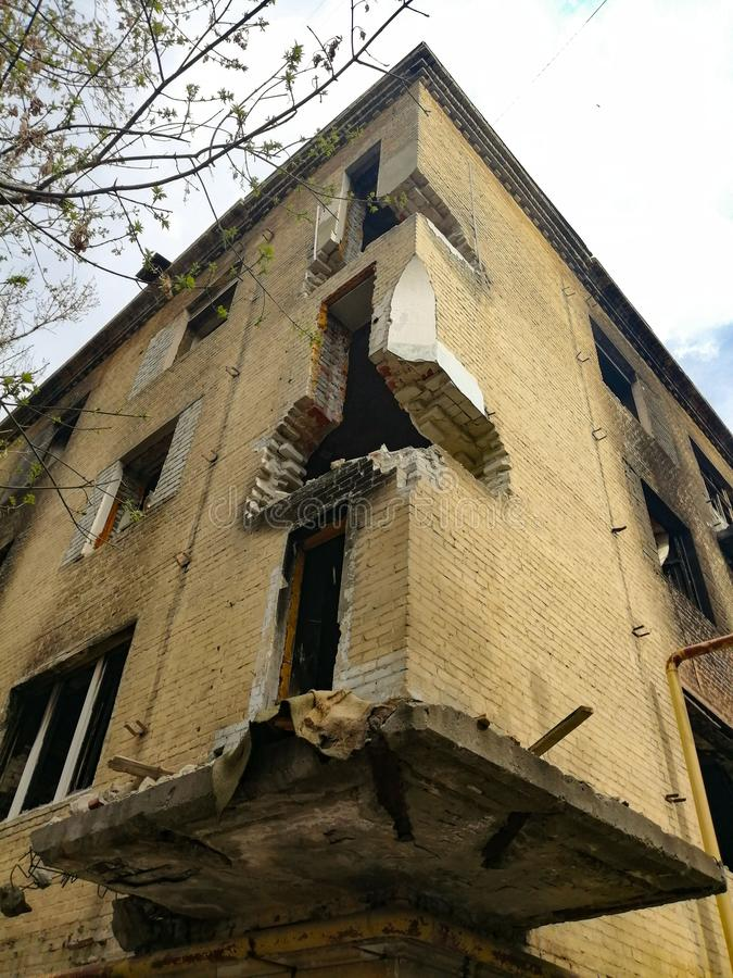 Ruiniertes verlassenes Haus stockfotografie