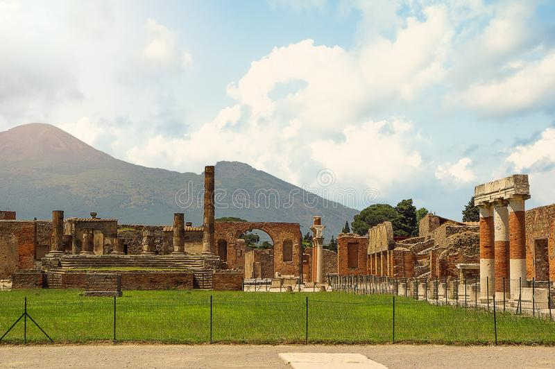Ruins of Pompeii overlooking Mount Vesuvius in the distance, Campania, Italy stock images
