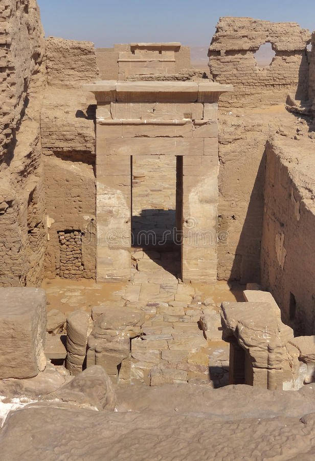Download Ruins at Qasr Dusch stock image. Image of sand, nobody - 28597541