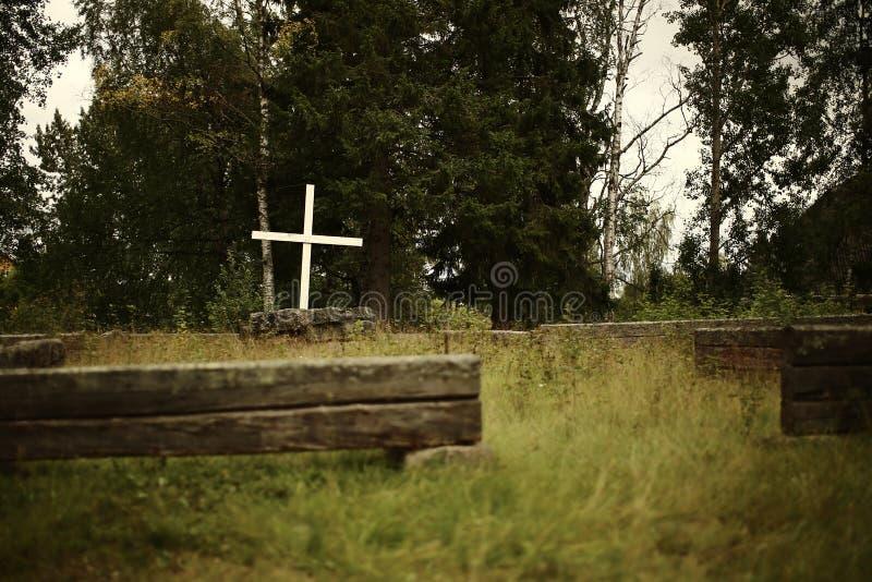Ruins van de Volgsjo-kerk in Vilhelmina, Vasterbotten, Zweden stock foto's