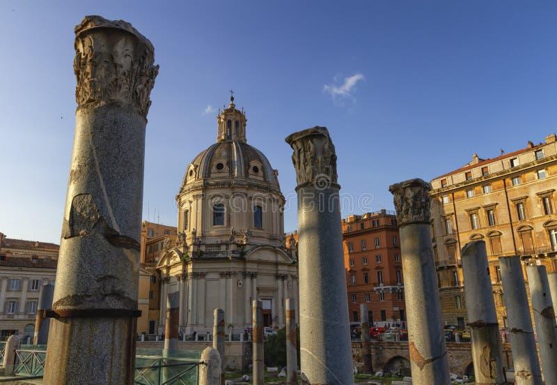 Ruins van Forum Romanum over de heuvel van Capitolium in Rome, Italië royalty-vrije stock afbeelding