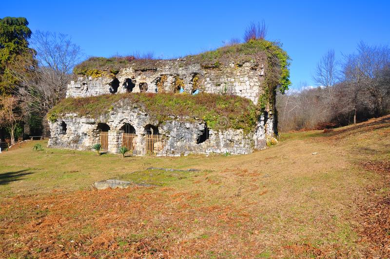 Ruiny świątynia w terenie Musser Abkhazia zdjęcie stock