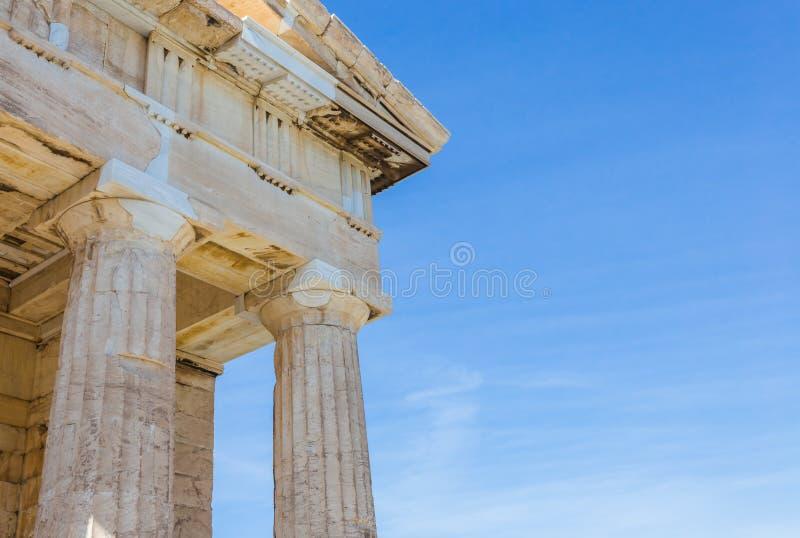 Ruiny antyczna świątynia na akropolu wzgórzu obraz royalty free