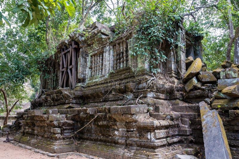 Ruiny antyczna Beng Mealea ?wi?tynia nad d?ungl?, Kambod?a obrazy stock