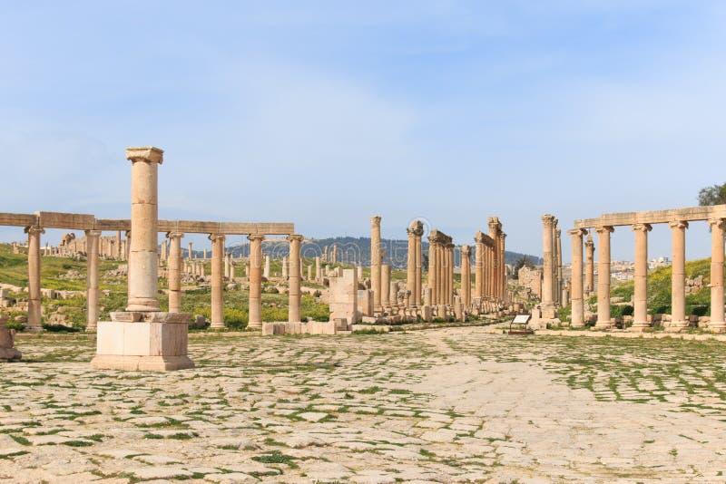 Ruiny antyczny Jerash rzymianina miasto Gerasa w nowożytnym Jordania zdjęcia royalty free