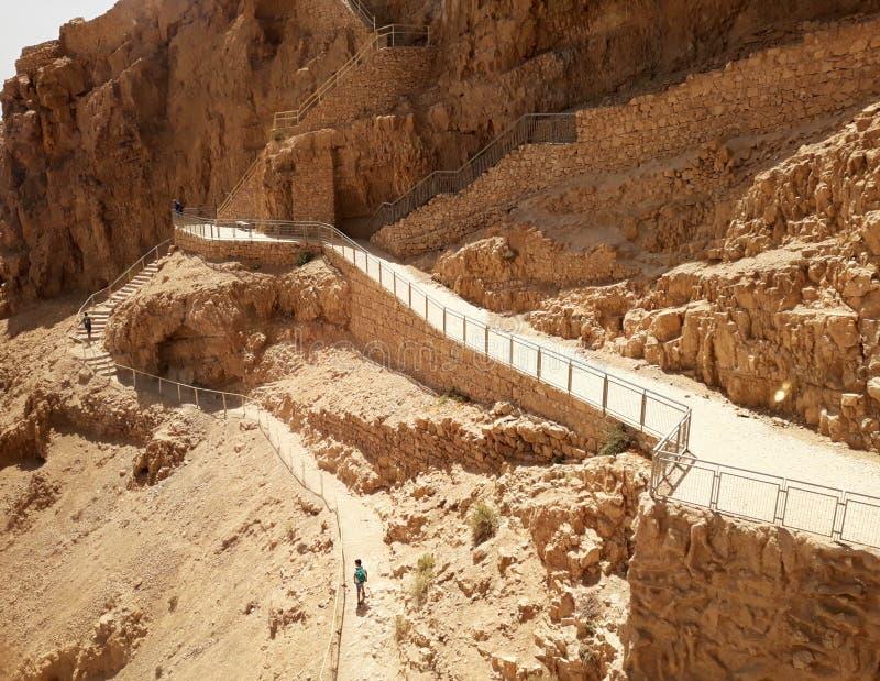 Ruiny antyczny Masada w południe Izrael Drogowy palec u nogi Północny pałac obraz stock