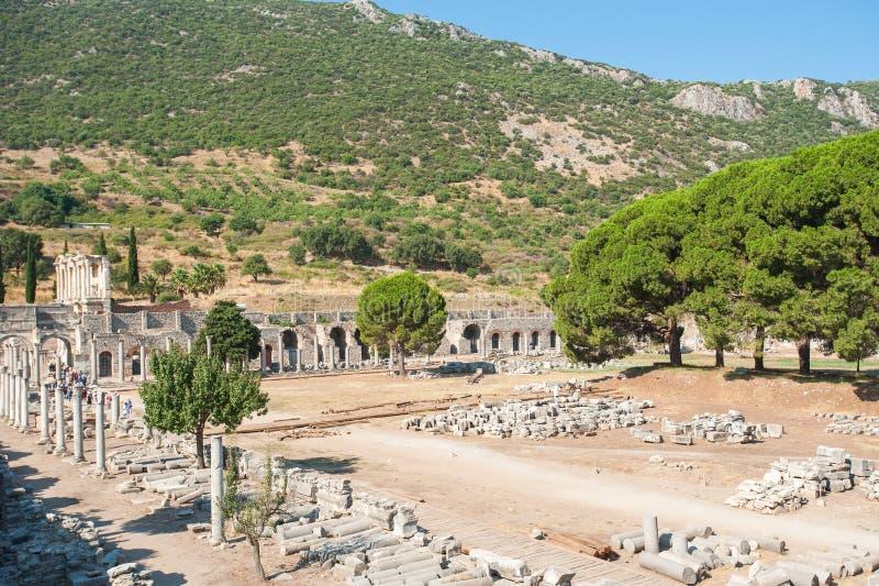 Ruiny antyczny miasto Ephesus staro?ytnego grka miasto w Turcja, w pi?knym letnim dniu fotografia stock
