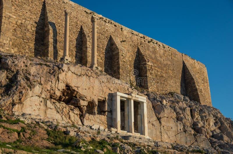 Ruiny choragic zabytek Thrasyllus, akropol, Ateny, fotografia stock