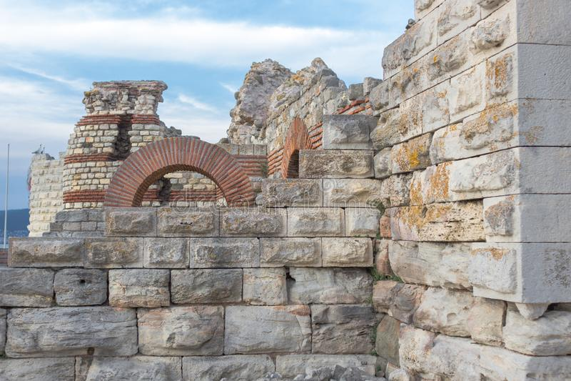 Ruiny defensywne struktury w Starym Nessebar fotografia stock