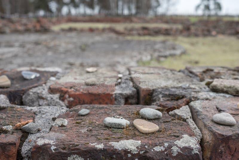 Ruiny jeden crematoria przy Auschwitz Birkenau Nazistowskim koncentracyjnym obozem Ten crematorium niszczył Żydowskimi więźniami obrazy stock