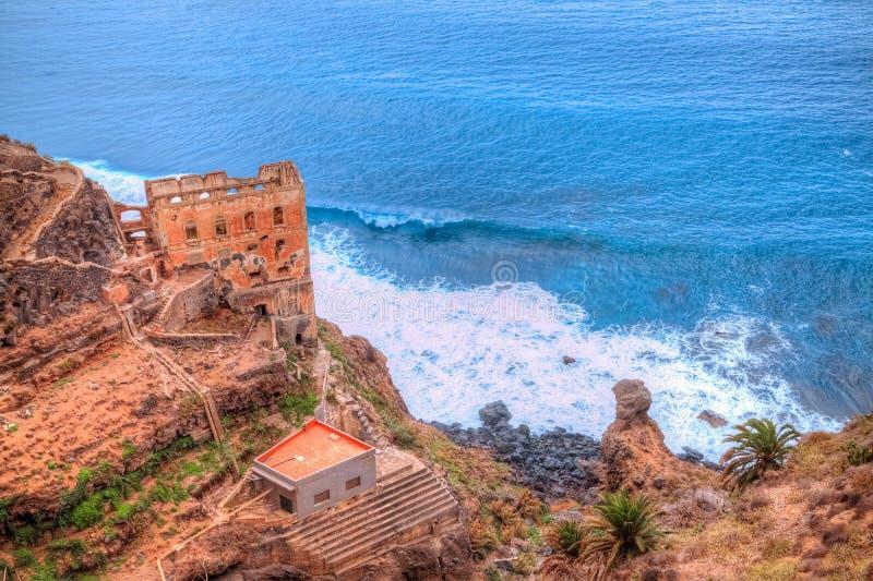 Ruiny kasztel na wybrzeżu Los Realejos, Tenerife fotografia stock
