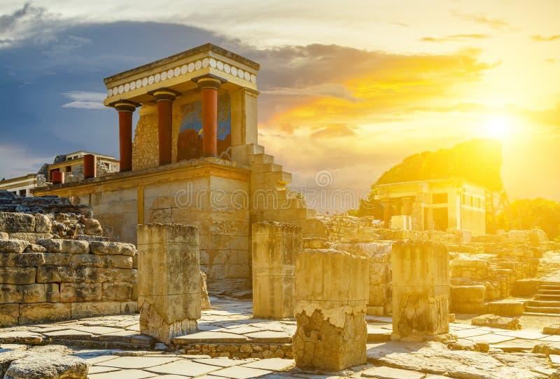 Ruiny Knossos pałac pod sunbeams zdjęcia royalty free