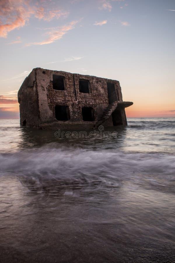 Ruiny Północni forty podczas zmierzchu w Liepaja, Latvia zdjęcia stock